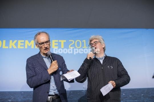 Bertel Haarder og Søren Pind synger.
