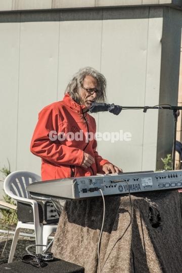 Gademusikant på folkemødet