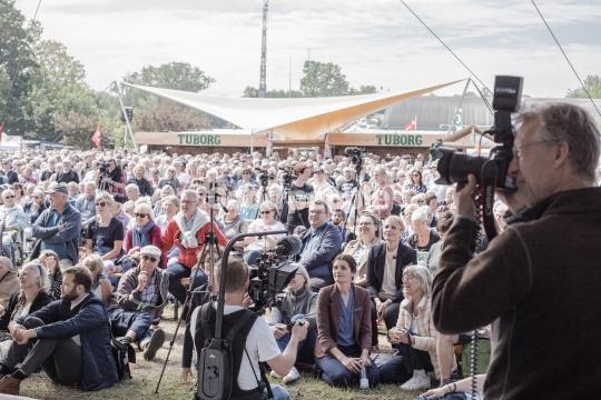 Fotograf ved publikum